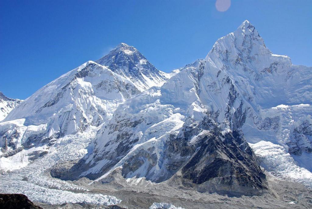 Cobat partenariat | Ascension de l'Everest | Association Chantal Mauduit
